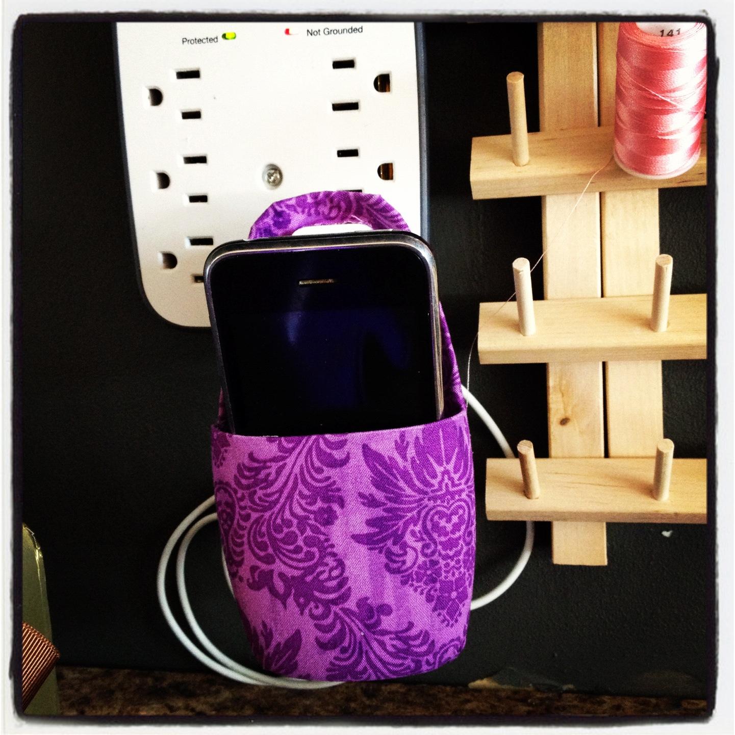 Hanging Phone Holder Diy Upcycle Craft Pinsandpetals